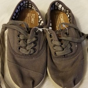 Tom's Brown Canvas Lace Up Girls Shoes New